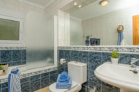 On the lower floor we offer a very spacious bathroom 